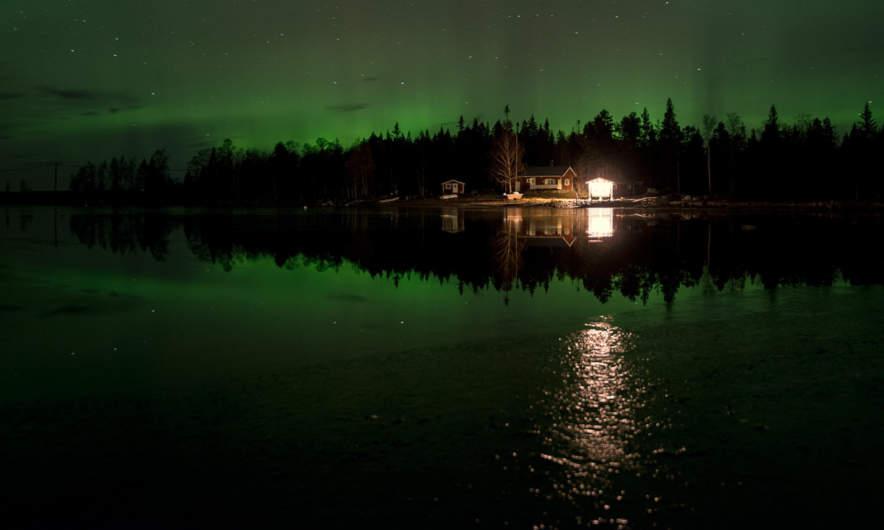 Pale Northern Lights above Storgrundet