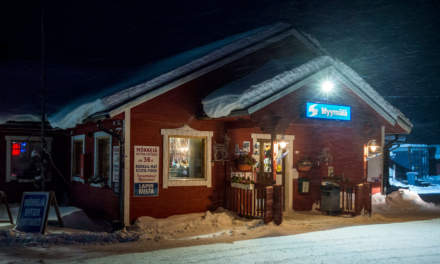 Myymälä: Shop, restaurant and cabins