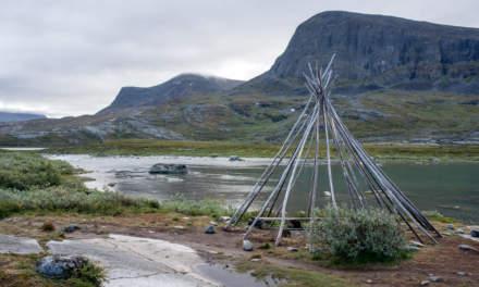 Tent poles for a lavvu