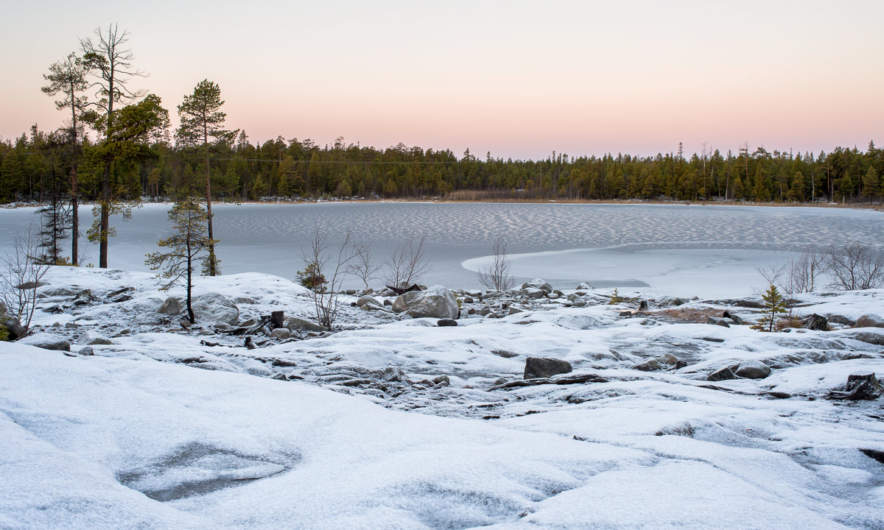 Rudtjärnen – completely covered with ice