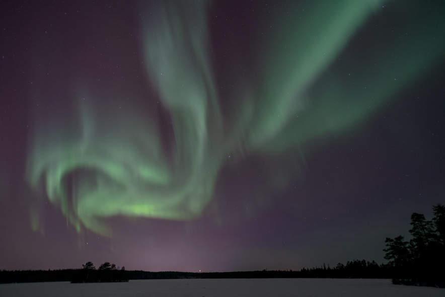 Polar light over snesviken