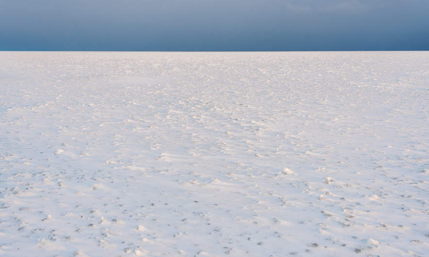 Sea ice up to the horizon