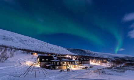 Northern lights above the Kebnekaise Fjällstation