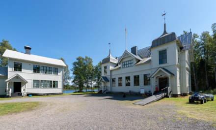 """""""Sommarkyrka"""" – main building"""