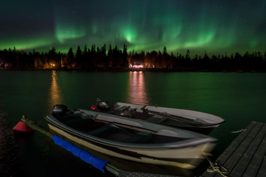 Storgrundet: Boat bridge by night