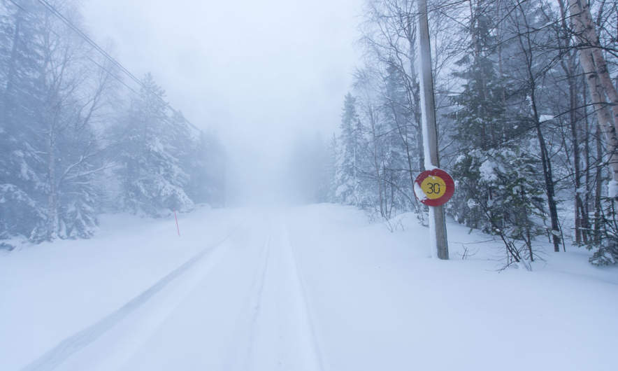 Heavy snowfall on the way to Storgrundet