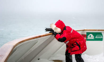 Photographing on the Hurtigruten (Photo: Annika Kramer)