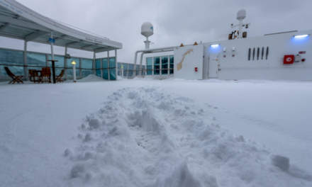 Snow drifts on deck 9 II