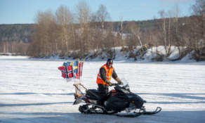 Snowmobile transporting flags