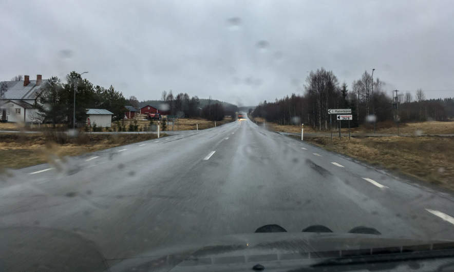 Rain on the E4 to Umeå