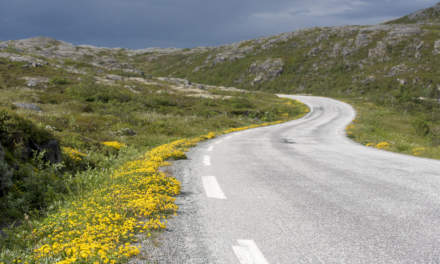 Leirstrandvegen, a road on Kvaløya