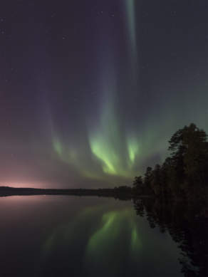 Aurora above the lake Snesviken II