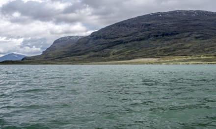 Turquoise lake Alisjávri