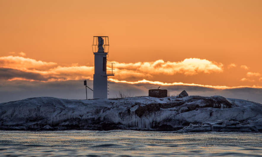 The lighthouse of Långhällan on a winter morning