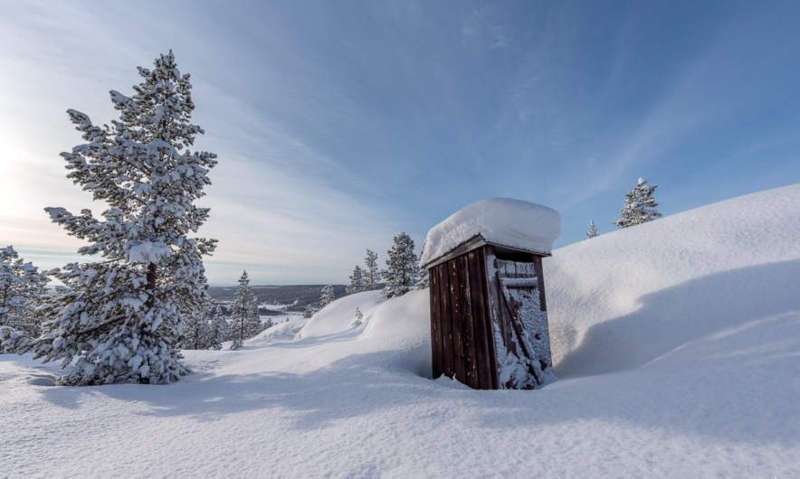 Lonely toilet on the Brattberget