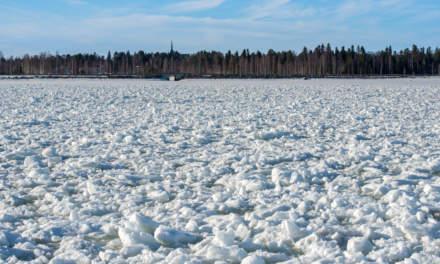 Crushed ice in Skellefteå Hamn II
