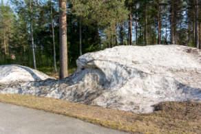 Stubborn snow pile