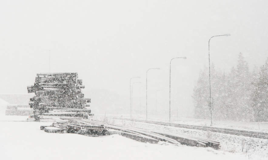 2016-04-25 – Heavy snow shower in Skelleftehamn