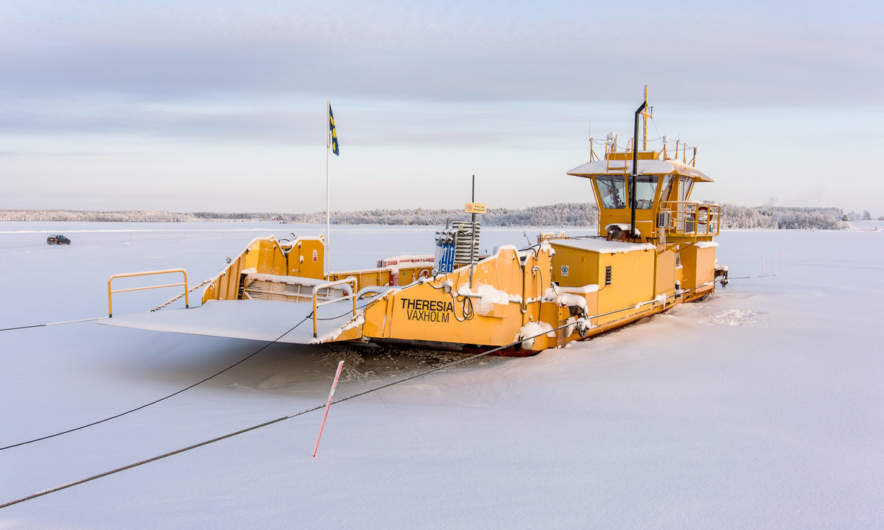 Theresia, the Avan ferry is icebound