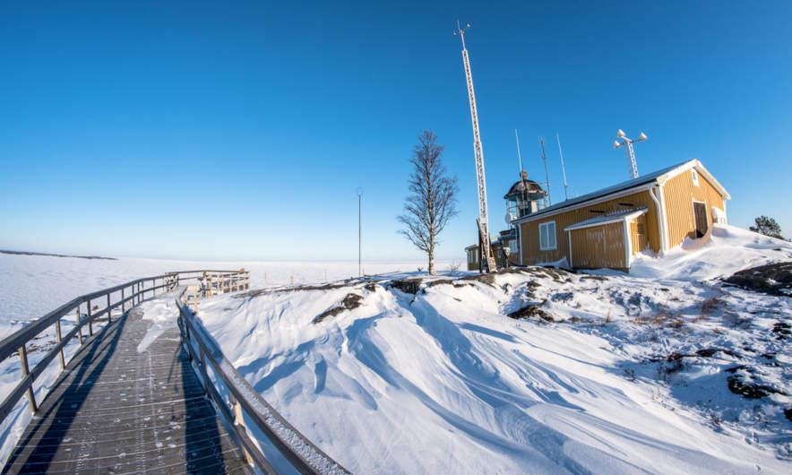 Bjuröklubb lighthouse with the observation platform