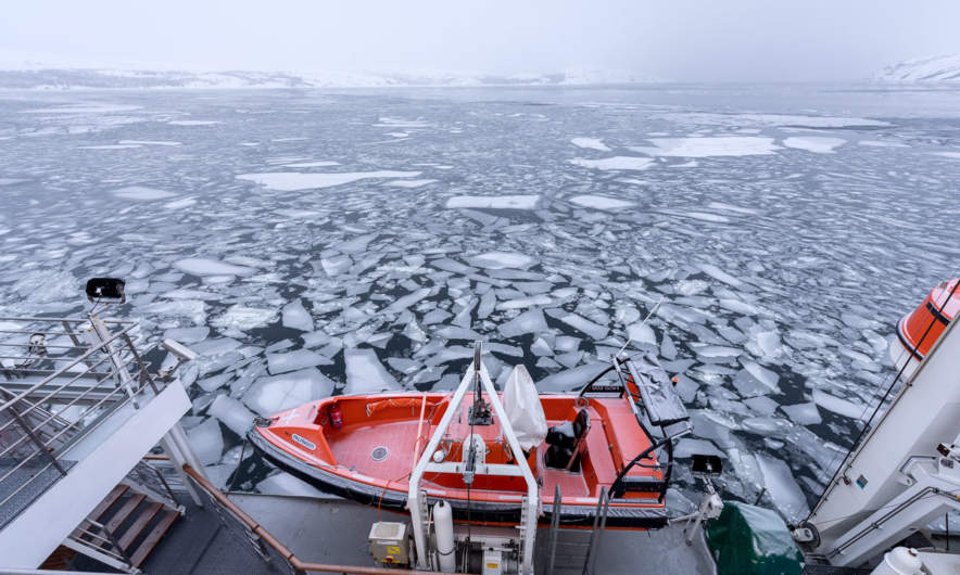 MS Spitsbergen: lifeboat and ice floes