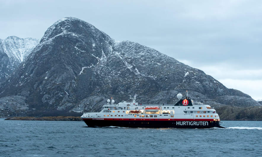 Meeting the MS Spitzbergen
