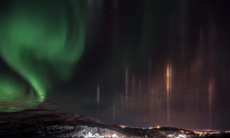 Norhtern lights and light pillars I