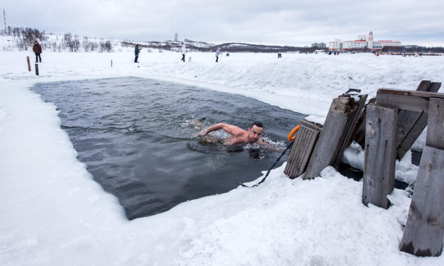 Ice swimmer in the lake Semyonovskoye