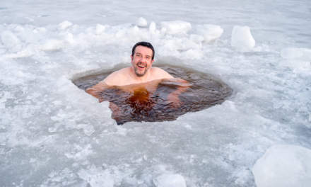 My taking an ice bath (Photo: Hans Brettschneider)