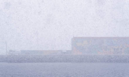 Heavy snow shower hiding the Sørsjeteen