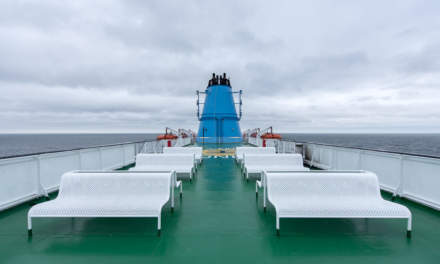 Grey sky – empty top deck