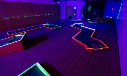Minigolf in the dark