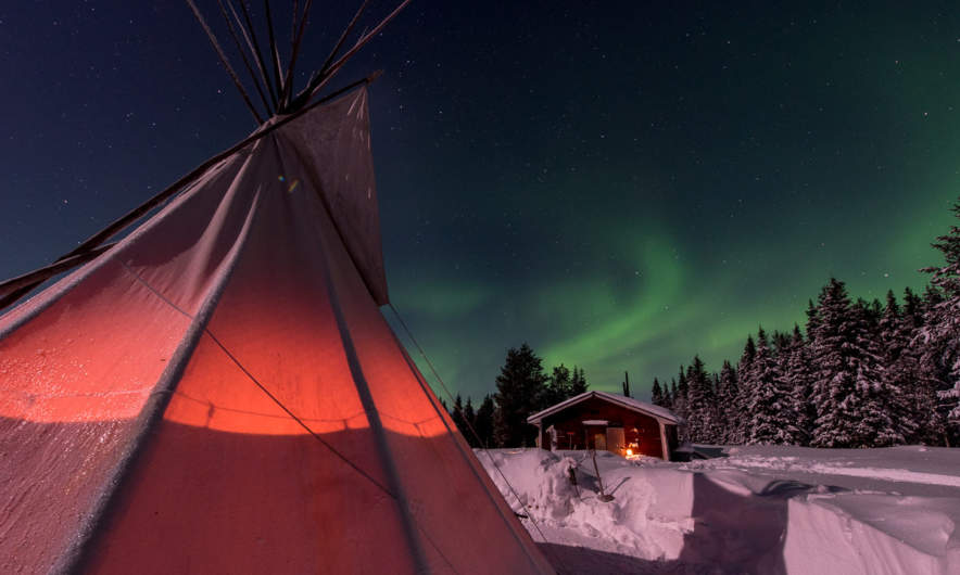 Aurora behind the tent