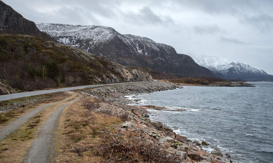 Through the windscreen XVIII – along the Lysfjorden