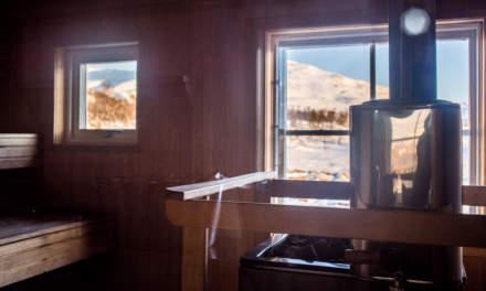 Inside Lunndörren's sauna