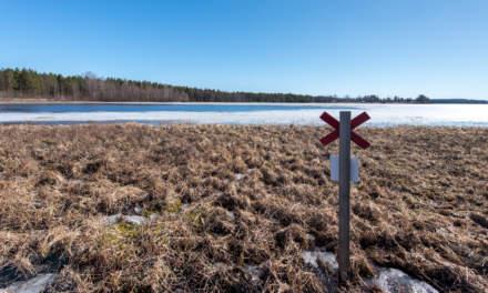 The lake Falmarkträsket –snow mobile trail marking