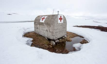 Red cross hut I