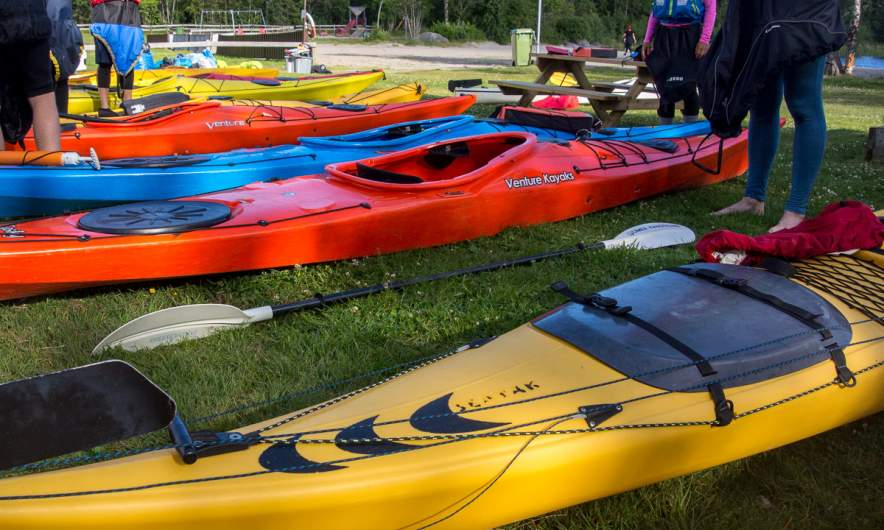 Sea kayaks waiting for being used