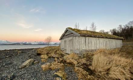 Promenade II – old boat house at the west shore of Tromsøya