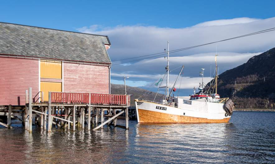 Wooden shed, wooden ship