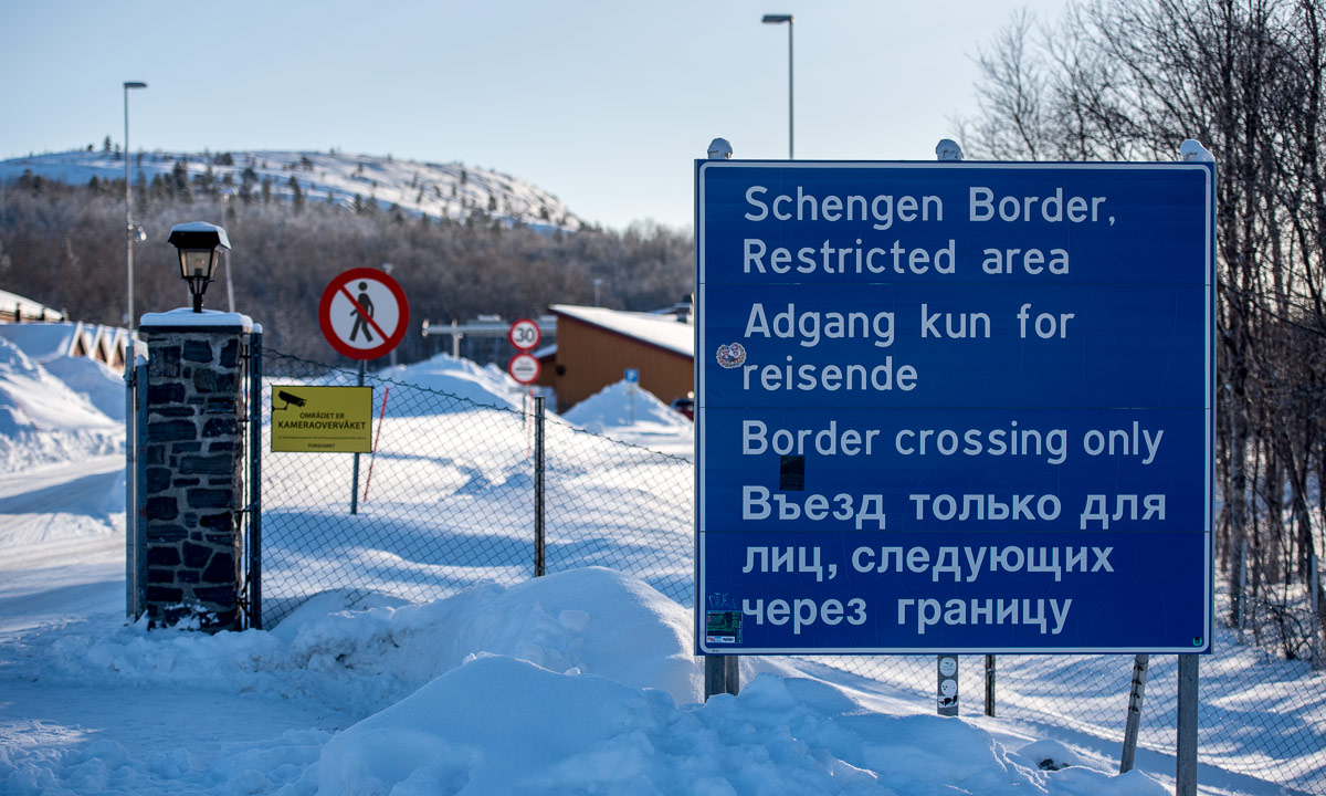 Crossing and not crossing borders › Way up north