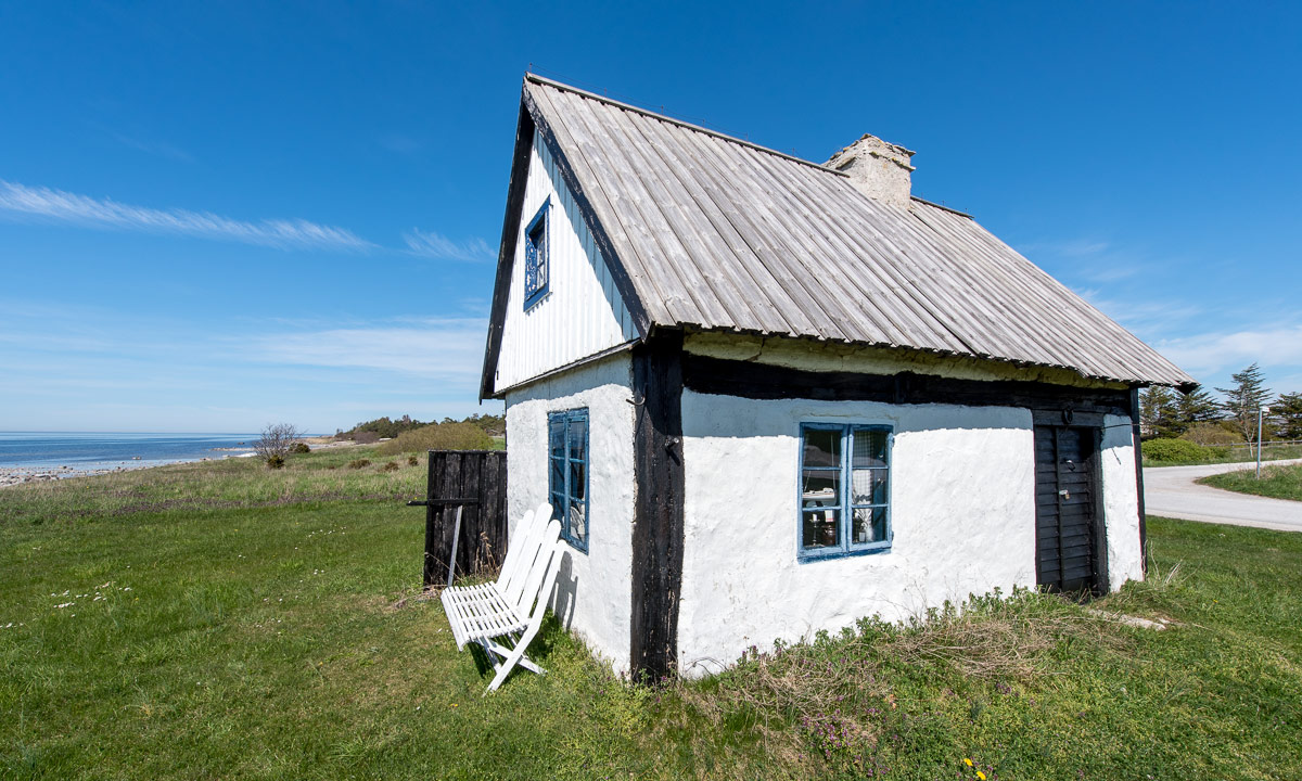 Three bicycle tours on gotland tuesday way up north for Cabin by the sea